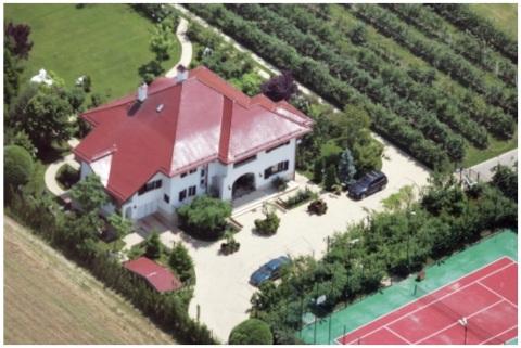 Vila lui Isarescu